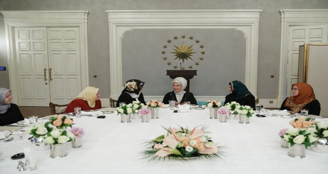 Emine Erdoğan, Diyanet'in kadın yöneticilerini ve müftü eşlerini ağırladı