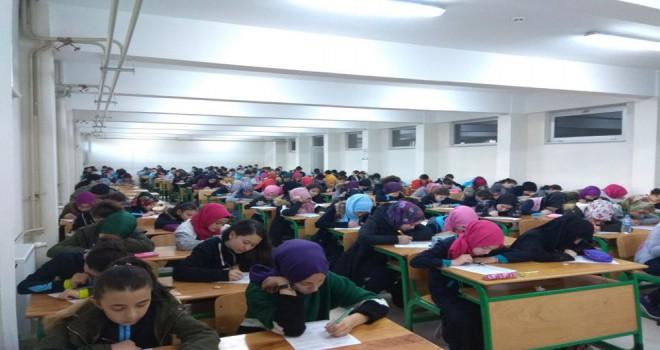 Çarşamba İmam Hatip Ortaokulu'nda Gözetmensiz Sınav Uygulaması