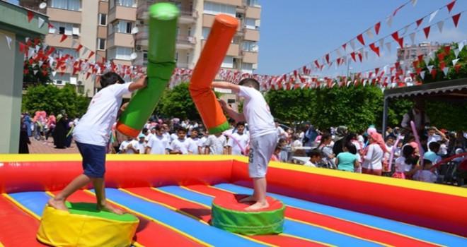 Yaz Kur'an Kursu Açılışında Çocuklar Doyasıya Eğlendi
