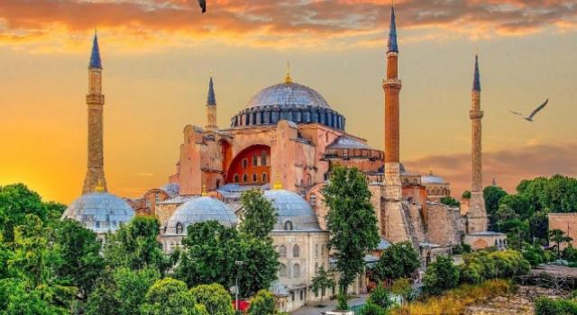 Ayasofya Camii Diyanet'e devredildi