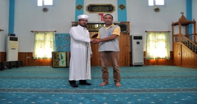 Camiye Halı Bağışıyla Cezadan Kurtuldu