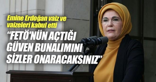 Emine Erdoğan, vaiz ve vaizeleri kabul etti