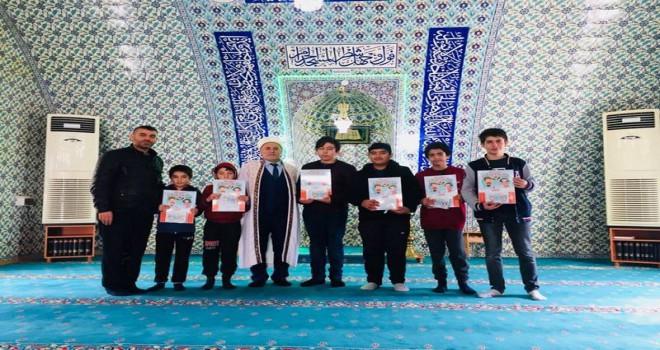 """Şarköy'de Çocuklara """"Diyanet Çocuk Takvimi"""" hediye ediliyor"""