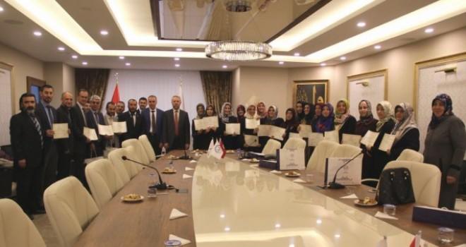 """Türkiye'de İlk, """"İşaret Diliyle Dini Kavramlar"""" Kursu Verildi"""