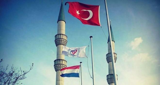Cuma Hutbesi Hollanda'yı Rahatsız Etti