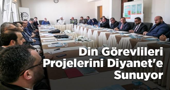 Din görevlileri projelerini Diyanet'e sunuyor