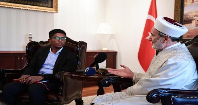 'İnsanlığın gözü önünde Arakan'da büyük bir dram yaşanıyor'