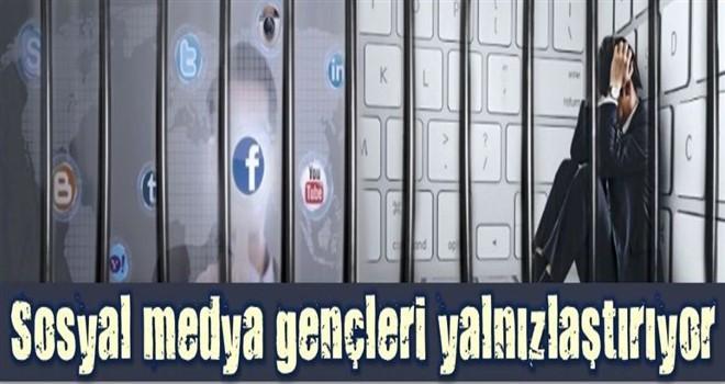 Sosyal Medya Gençleri Yalnızlaştırıyor!