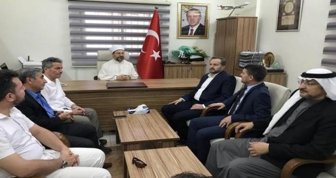 Başkan Erbaş, Medine Uluslararası Türk Okulunu ziyaret etti