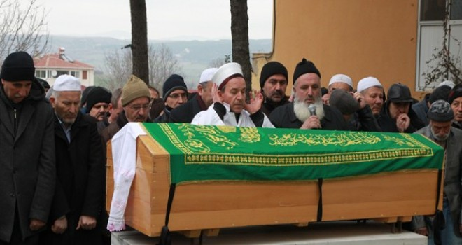 Kazada ölen oğlunun cenaze namazını imam babası kıldırdı