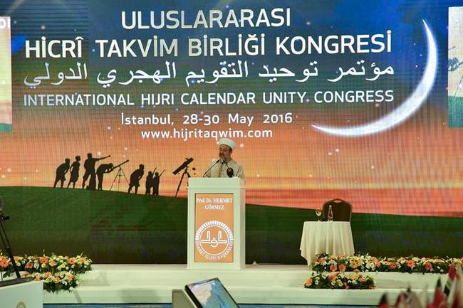 Aynı ibadeti aynı gün eda edemeyen Müslümanların birlik şuurunu yaşaması mümkün değildir