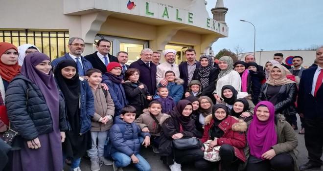 Diyanet İşleri Başkanı Erbaş, 'Yaşantımızla çocuklarımıza örnek olalım'