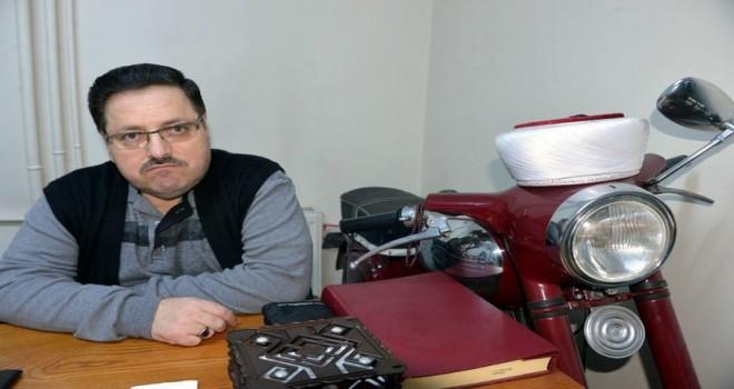 İmam odasında motosikle var