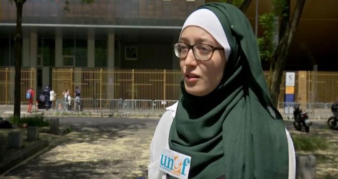 Başörtülü kız öğrenci lideri seçildi Fransız dergi iğrençleşti