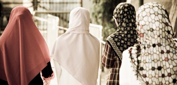Dört Genç Kızın Hidayet Öyküsü