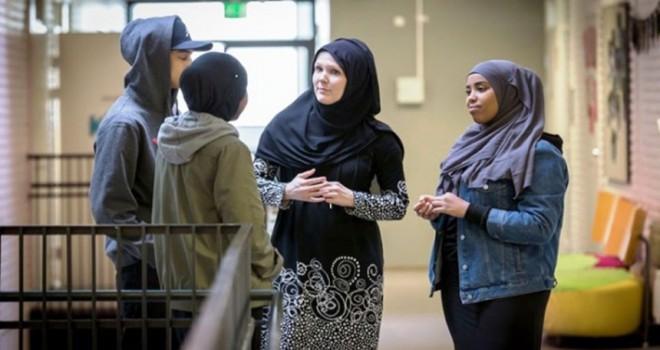 Müslümanlarla ilişkisi örnek ülke, Finlandiya