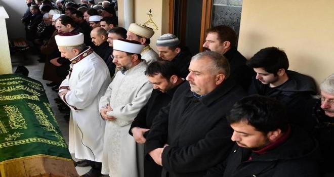 Başkan Erbaş, Müftü Sönmezoğlu'nun annesinin cenaze törenine katıldı
