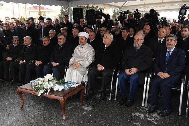 Görmez, Sancaktepe Müftülüğü ve Hacı Ahmet Kahraman Camiinin açılışını yaptı…