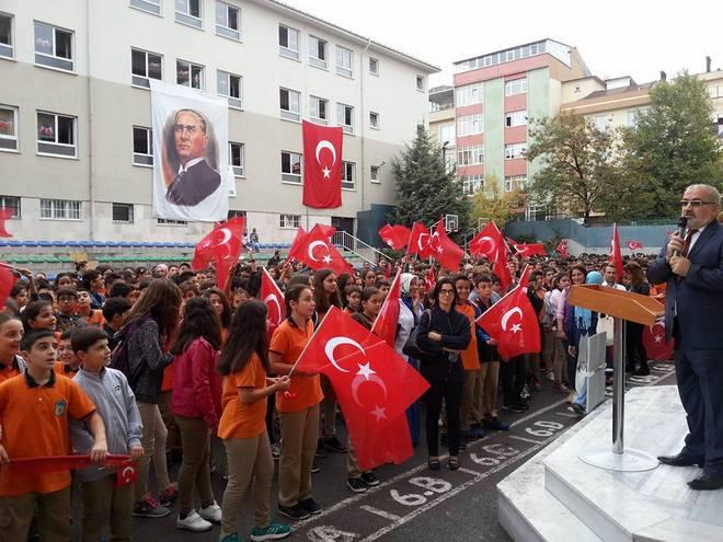 Kartal İhsan Zakiroğlu Ortaokulu\'nda Gözyaşları Sel Oldu