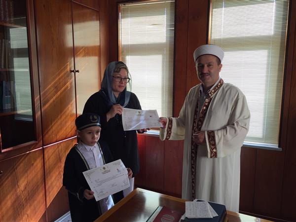 Rus Vatandaşı İrina ve oğlu Daniel Müslüman Oldu