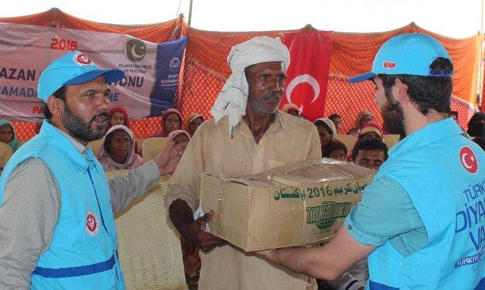 TDV'den kardeş ülke Pakistan'a ramazan yardımı
