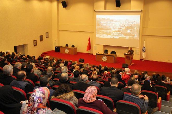 Türkiye\'de Dini Hayat ve Toplumun Dini Eğitim ve Öğretim Veren Kurumlardan Beklentileri