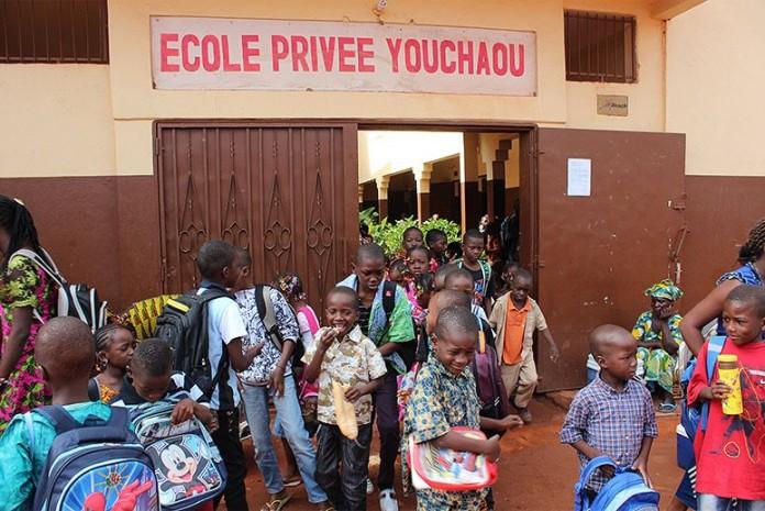 13 Yaşında İlkokula Başlayan Öğretmen Şimdi Ülkenin En Başarılı Okulunu Yönetiyor