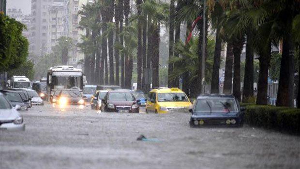 Adana'da sel baskını - FOTO