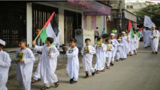 Kur'an ahalisi Gazze sokaklarında yürüdü