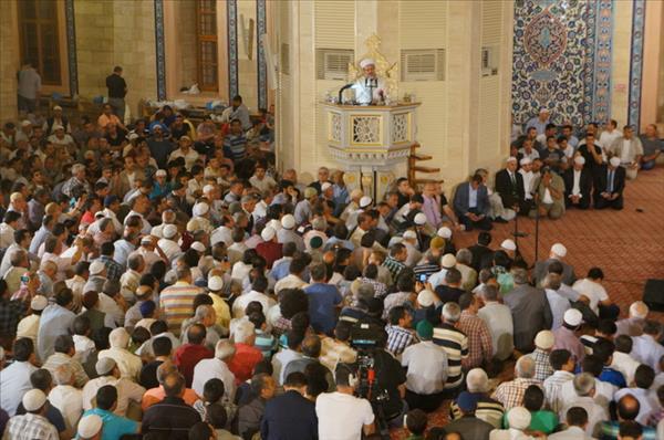 Görmez: Müslümanlar birbirine karşı şefkatsiz ve acımasız