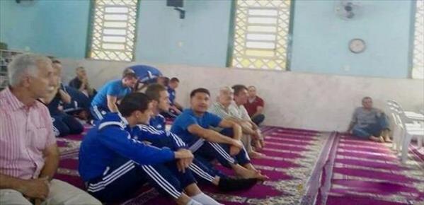 Bosna Hersek maç öncesi dua için camide!