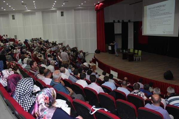 İzmir'de Yaz Kur'an Kursları Eğitim Semineri