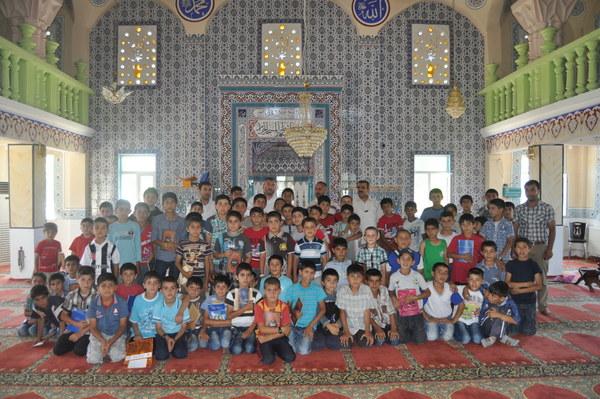 Iğdır'da Camiye Koşan Çocukların Kur'an Sevinciyle Buluşması