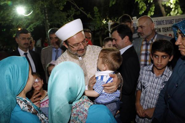 Başkan Görmez, Soma'da hayatını kaybeden işçilerin yakınlarıyla iftar sofrasında buluştu…