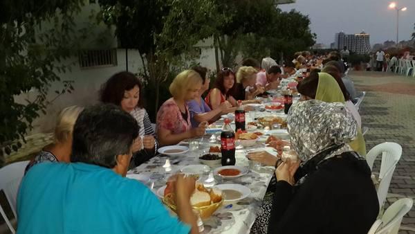 Alanya Mahmutlar'da Yeni Alanyalı Komşulara İftar