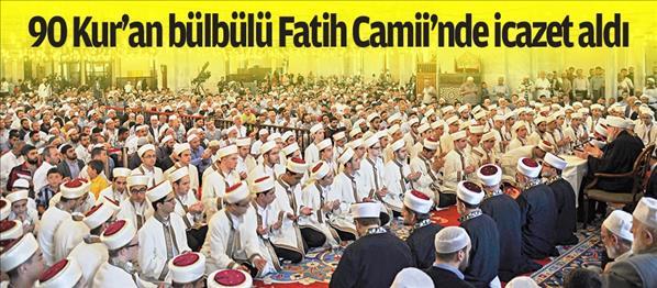 90 Kur'an bülbülü Fatih Camii nde icazet aldı