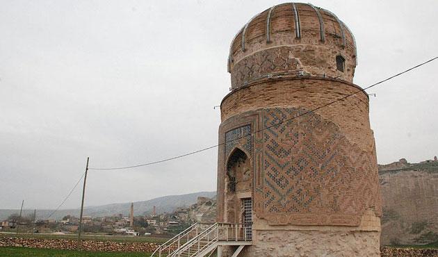 Hasankeyf'teki tarihi türbe 'treyler sistem' ile taşınacak