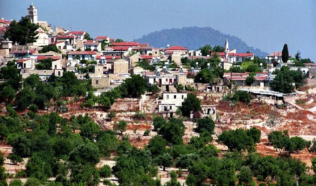 Türkiye'yi Kıbrıs'ta yalnızlaştırma politikası