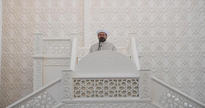 Diyanet İşleri Başkanı Erbaş, Bakü Haydar Camii'nde hutbe irad etti