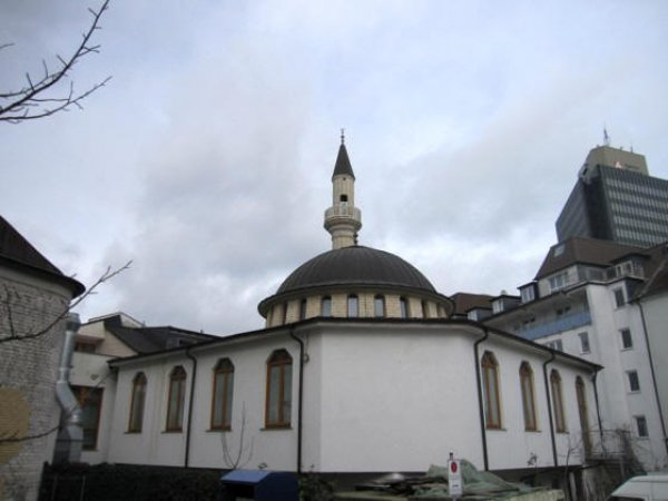 Almanya'da camiyi kundaklama girişimi