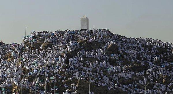 Arafat hacı adaylarını bekliyor…