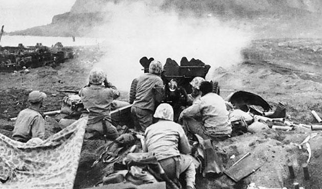 Atom bombasına yol açan sıradışı cephe: Iwo Jima