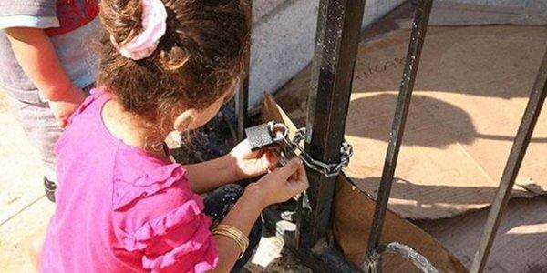 Cami Suriyelilere kapatıldı!