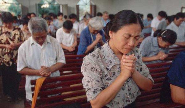 Çin'deki haç yasağına Hristiyanlardan tepki