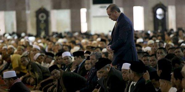 Cumhurbaşkanı Erdoğan kıyamda