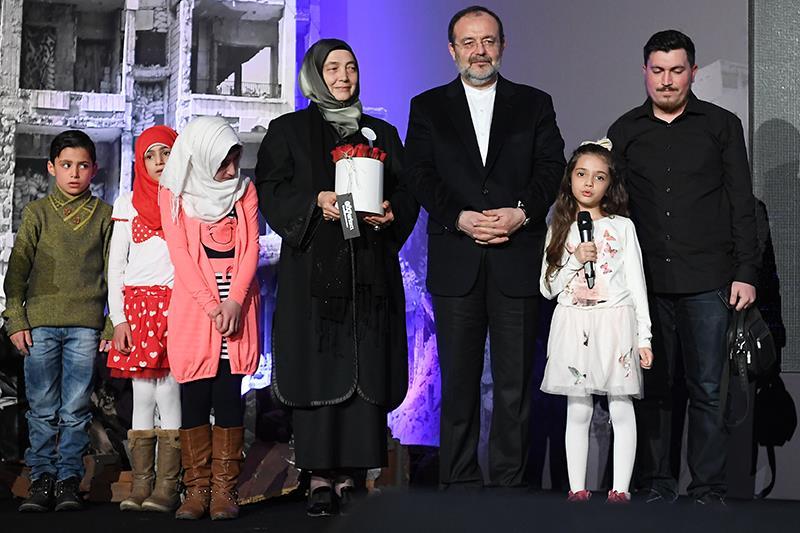 Diyanet İşleri Başkanı Görmez, göçmen çocuklarla bir araya geldi