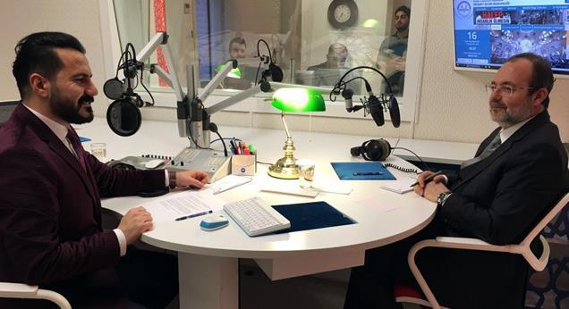 Diyanet İşleri Başkanı Görmez, Diyanet Radyo'nun konuğu oldu