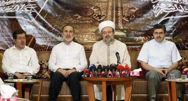 Diyanet İşleri Başkanı Görmez, Mekke'de basın mensuplarıyla bir araya geldi…