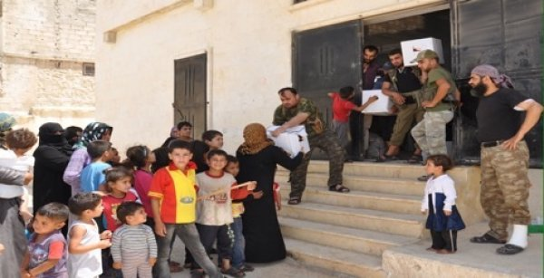 Diyanet'ten Suriyeli Türkmenlere bayram yardımı