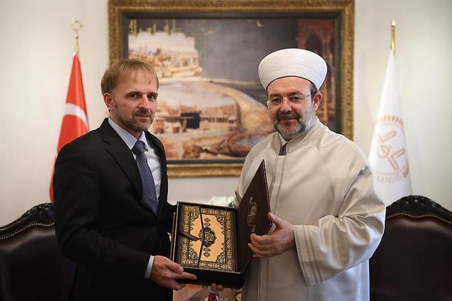 Görmez, Büyükelçi Bakir Sadoviç'i kabul etti.